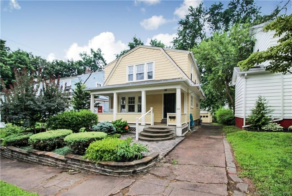 A starter home under $200000 in Hamden, CT