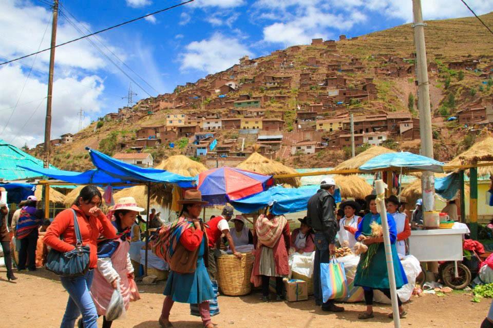 Marche-de-Huancaro-Photo-Dottydot.jpg?1543144872