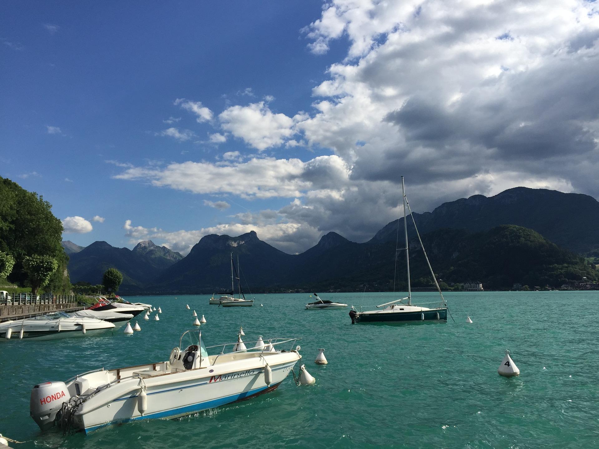 Lac_d'Annecy_CC0.jpg?1543405070