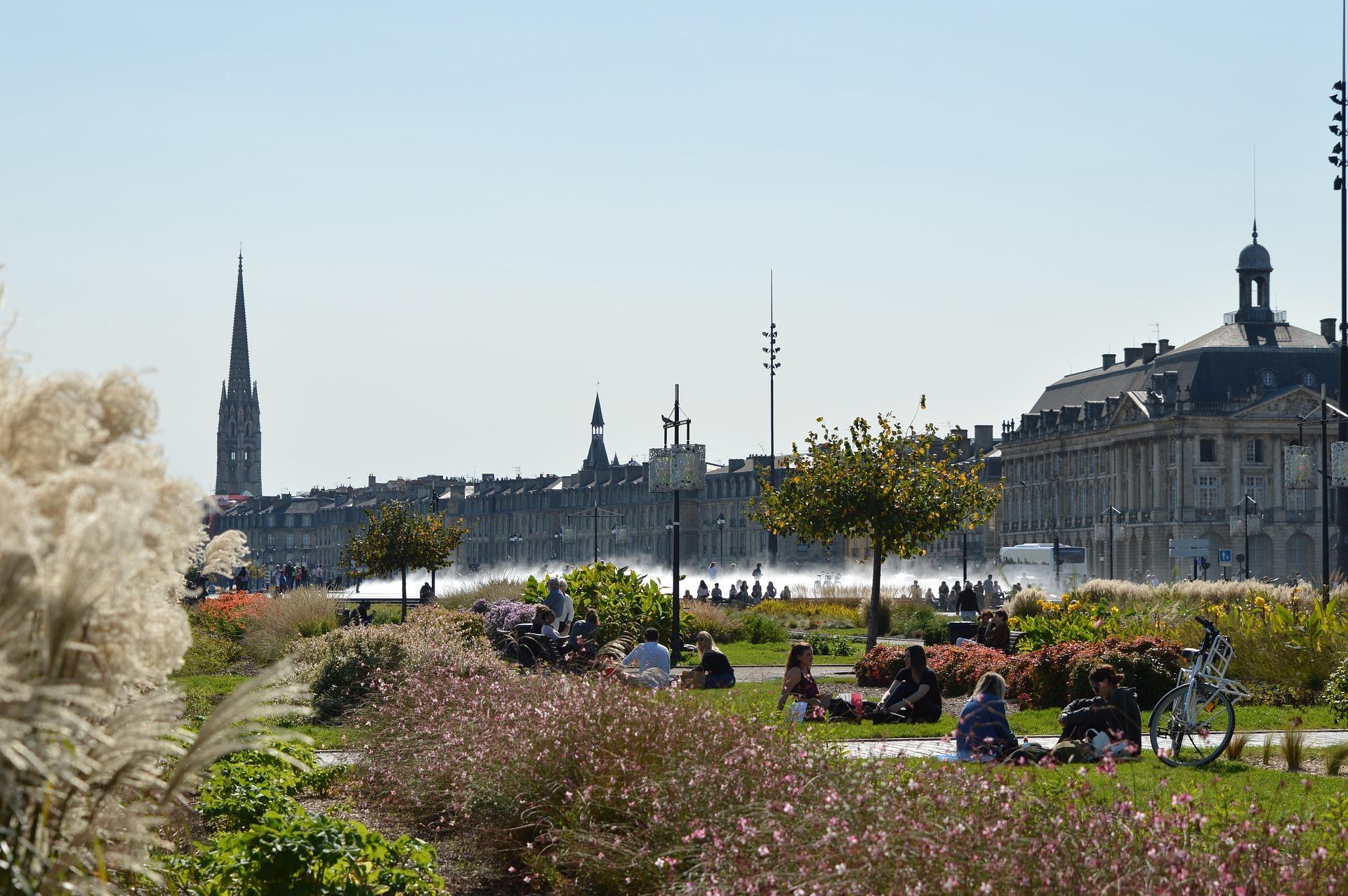 Bordeaux_1_CC0.jpg?1544802038