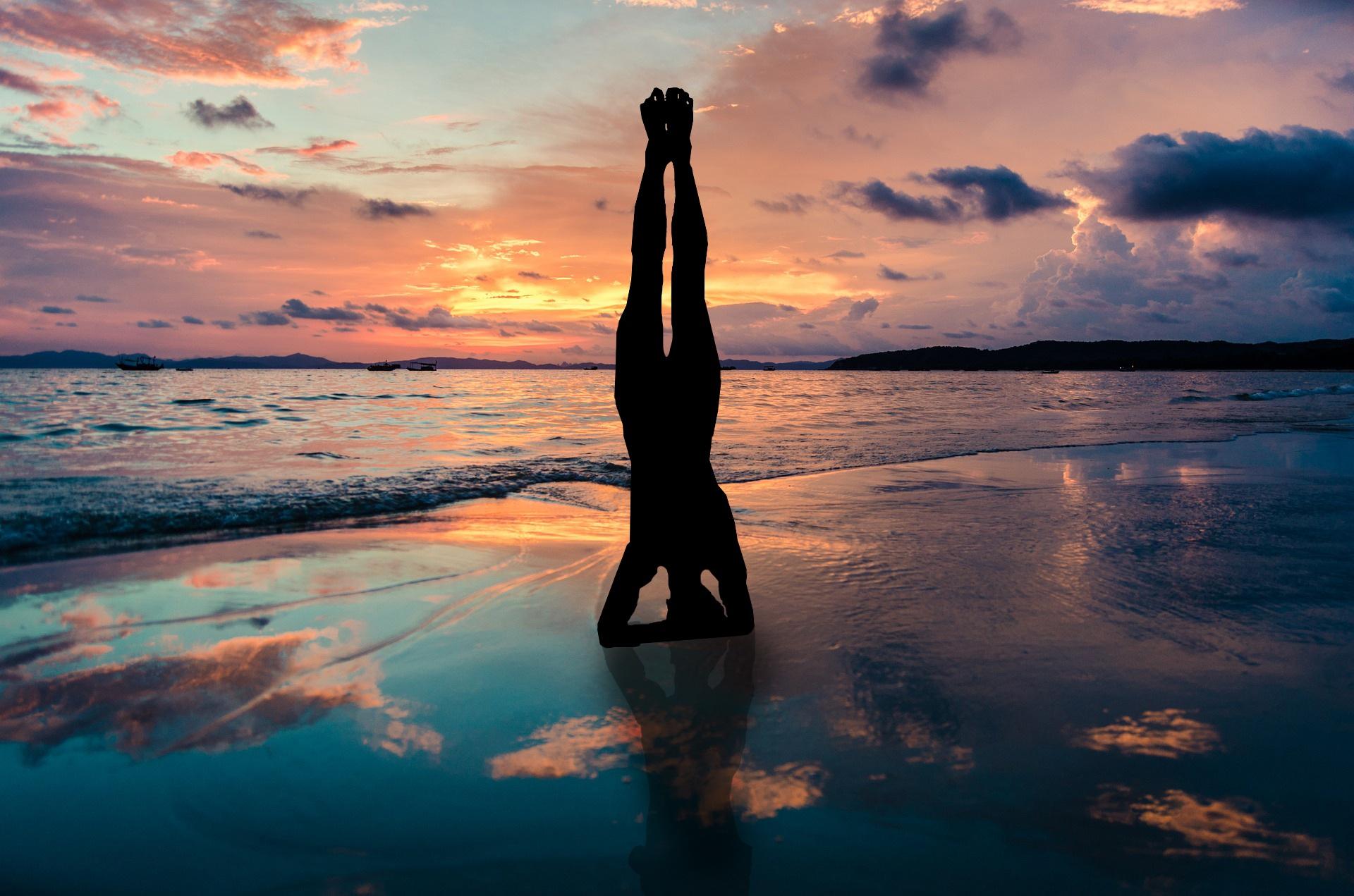 Yoga_Silver_Island_CC0.jpg?1544882253