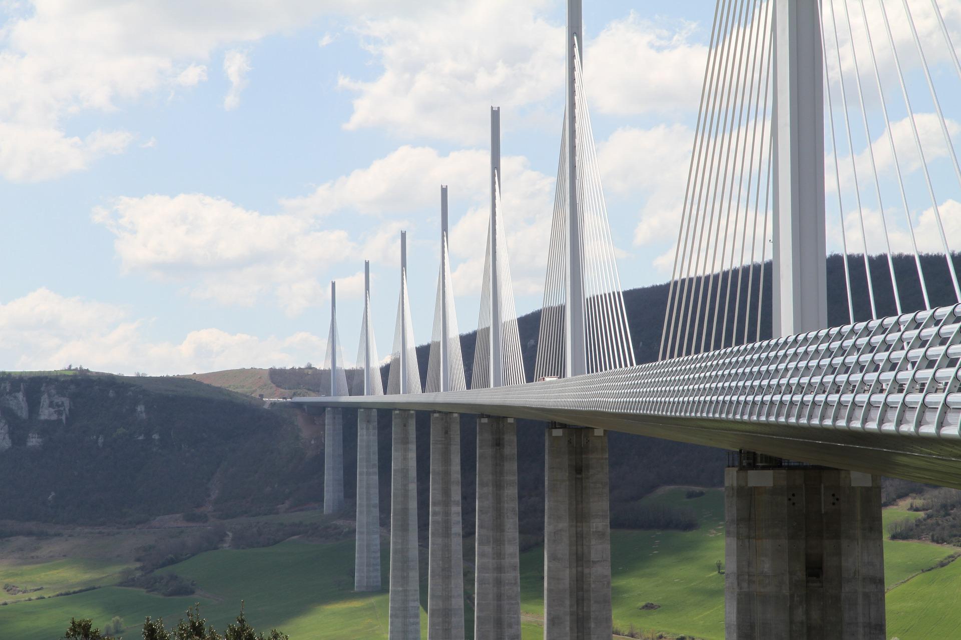 Pont_de_Millau_CC0.jpg?1545475671