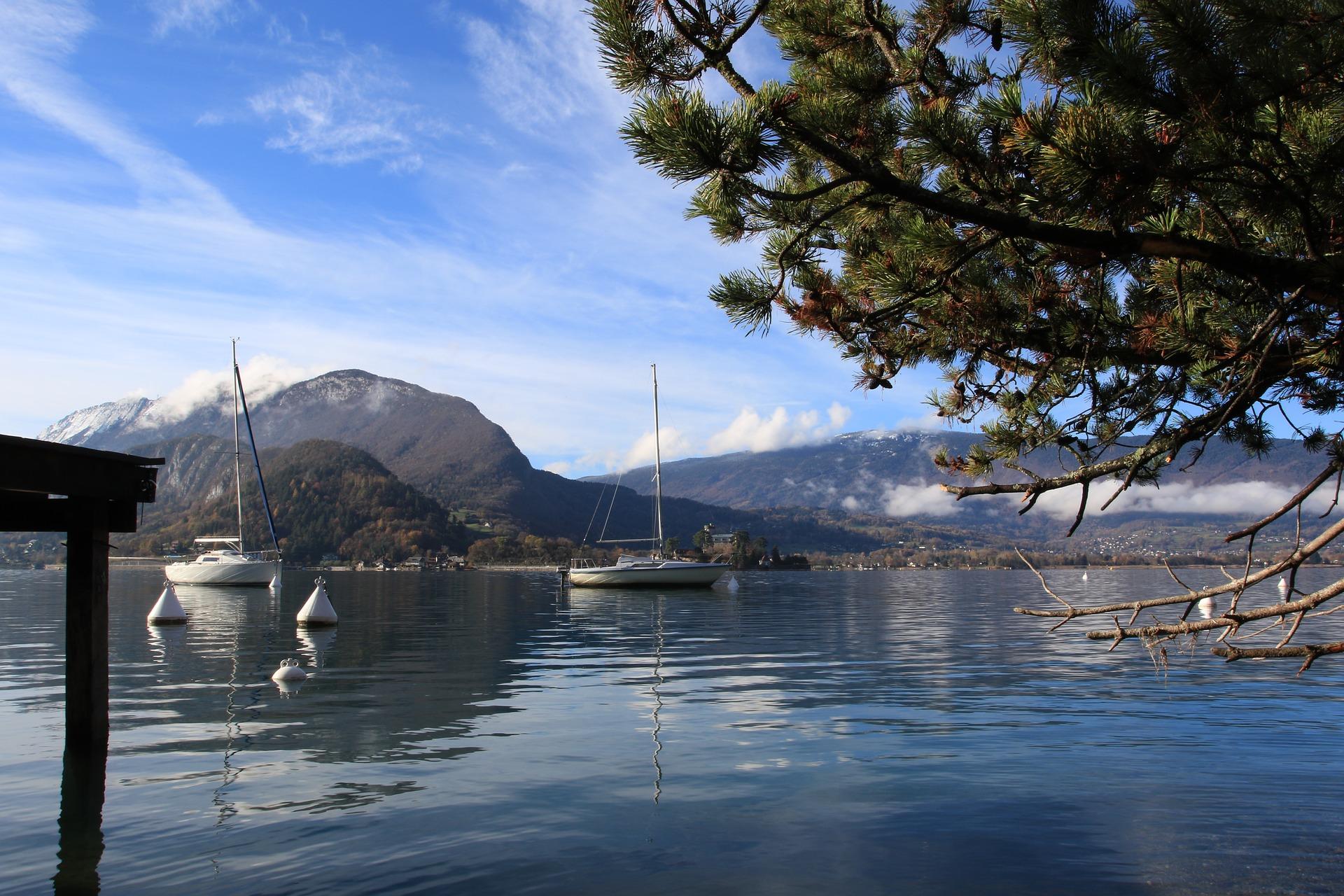 Lac_d'Annecy_CC0.jpg?1545479512