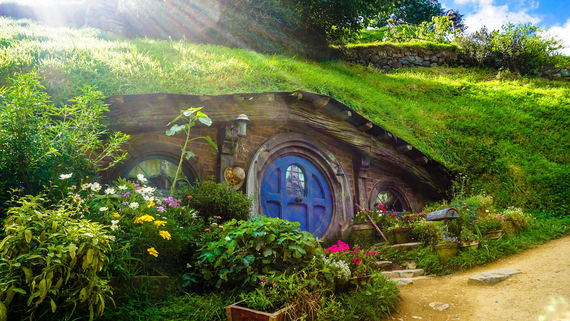 Hobbit_house_New_Zealand_CC0.jpg?1548422418