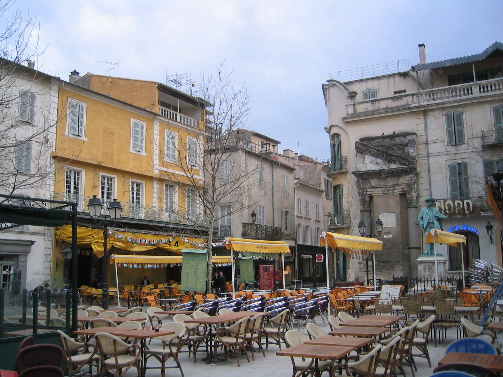 Arles-PlaceDuForum.jpg?1549449994