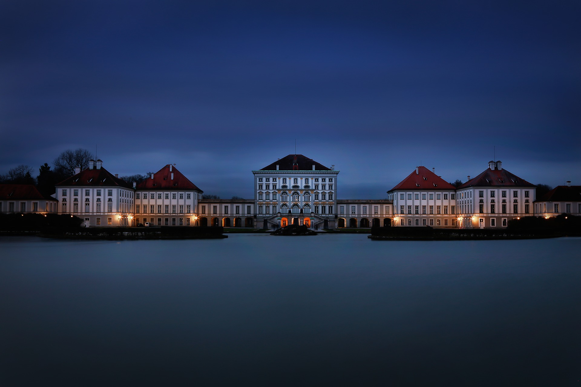 Munich_Palais_Nymphenburg_1_CC0.jpg?1550304406