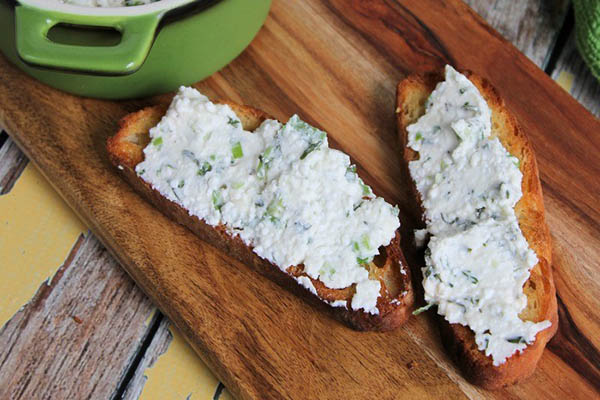 Romano Herb Cottage Cheese Spread