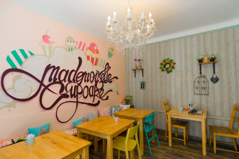 Mademoiselle_Cupcake.jpg?1554477362