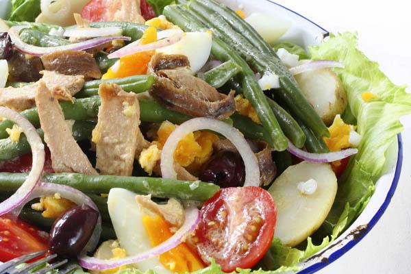 leftover-hard-boiled-egg-recipes-salad-nicoise