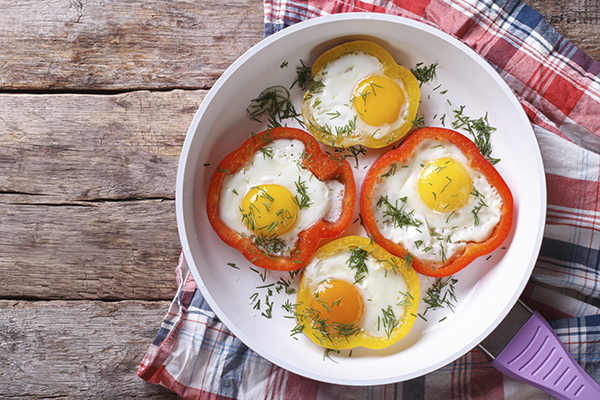 Eggs in Bell Pepper Rings Recipe