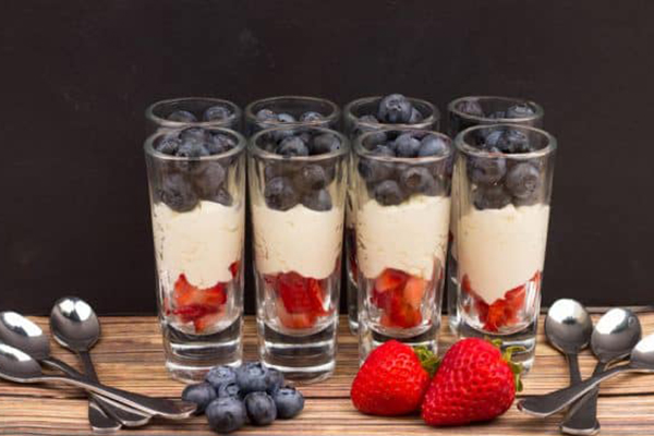Mascarpone Cheese Mousse with Berries Recipe