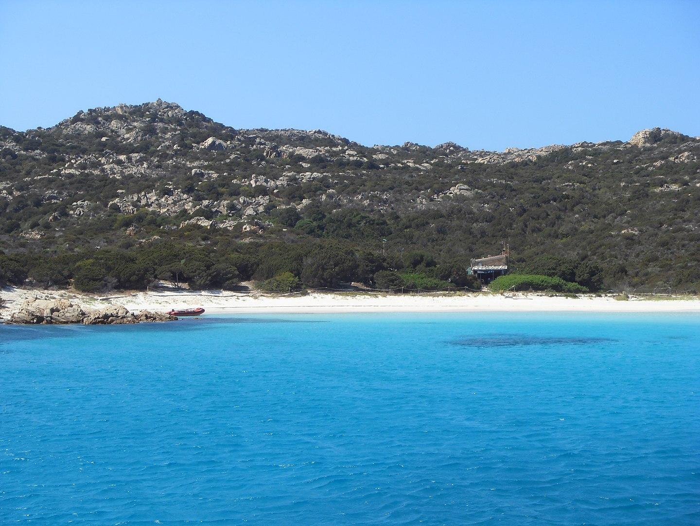 1440px-Spiaggia_rosa__Isola_di_Budelli._Arcipelago_della_Maddalena.jpg?1560348796