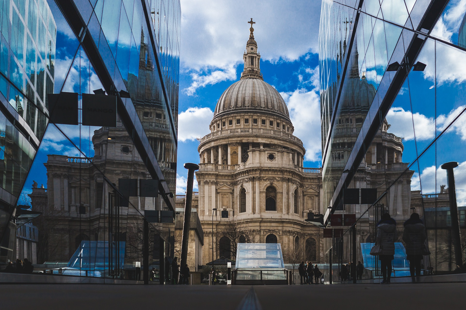st-pauls-cathedral-768778_1920.jpg?1567518463