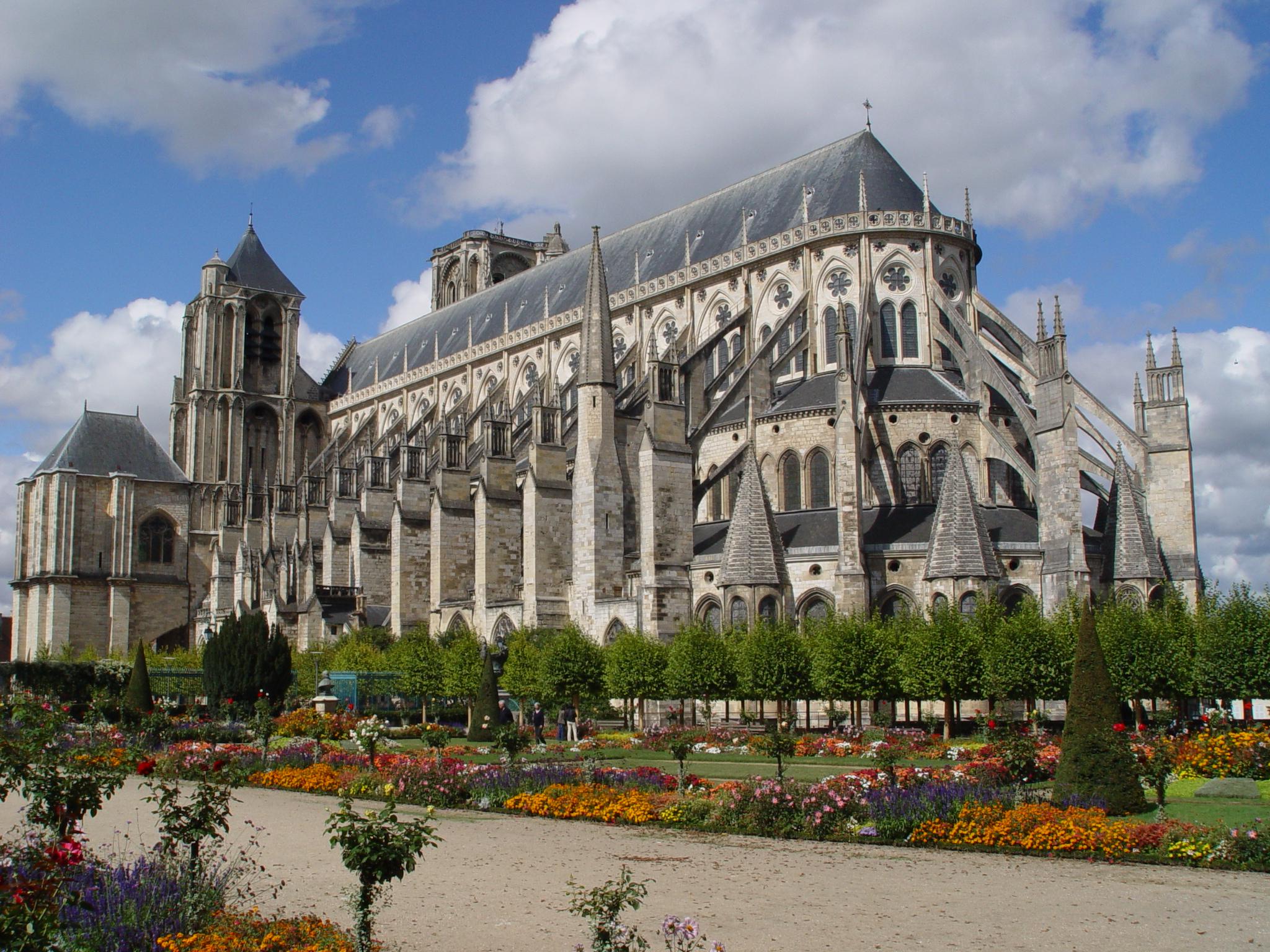 Sathe%CC%81drale_de_Bourges.jpg?1567762925