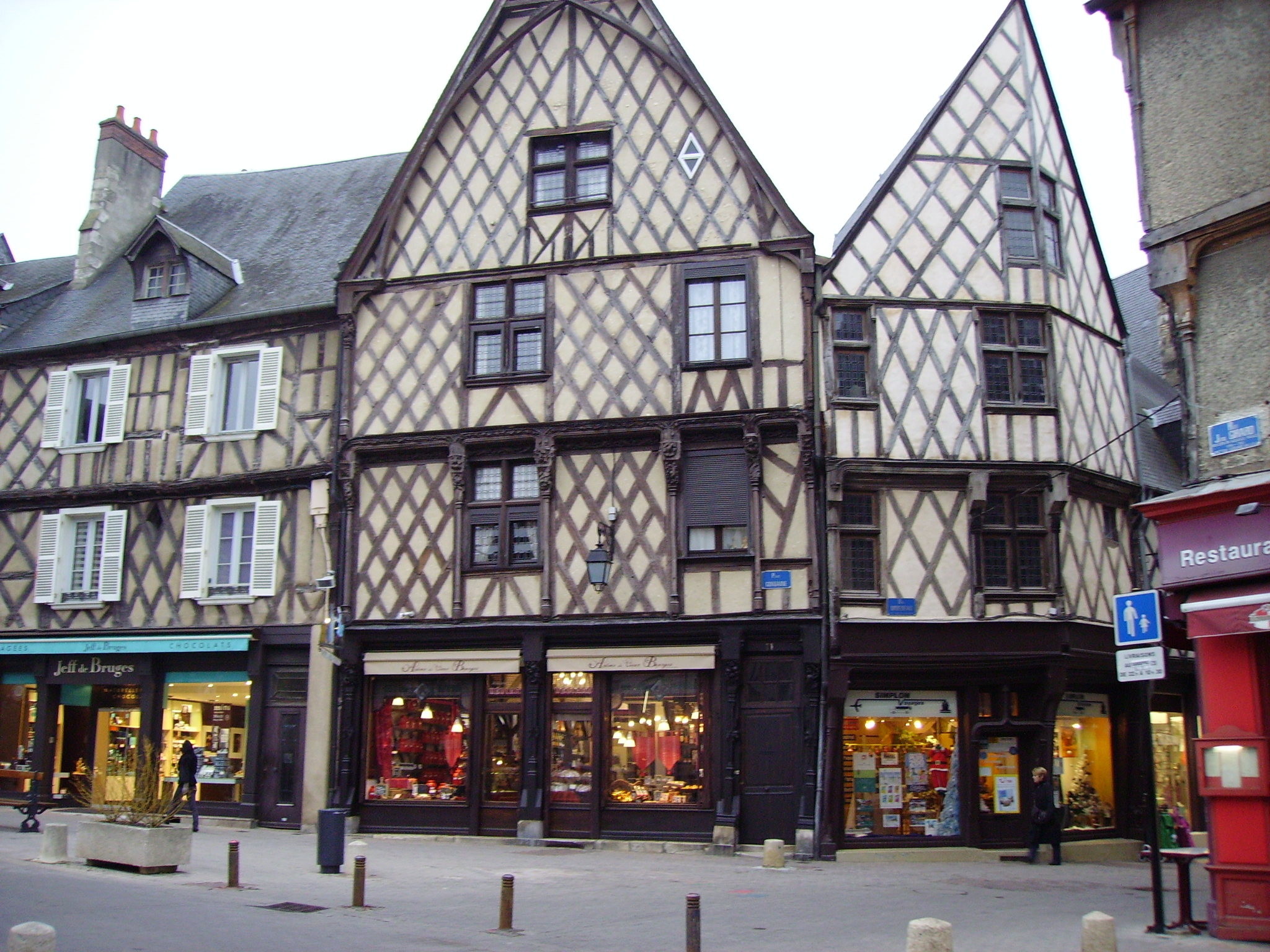 Bourges_colombages_CC.jpg?1567763364