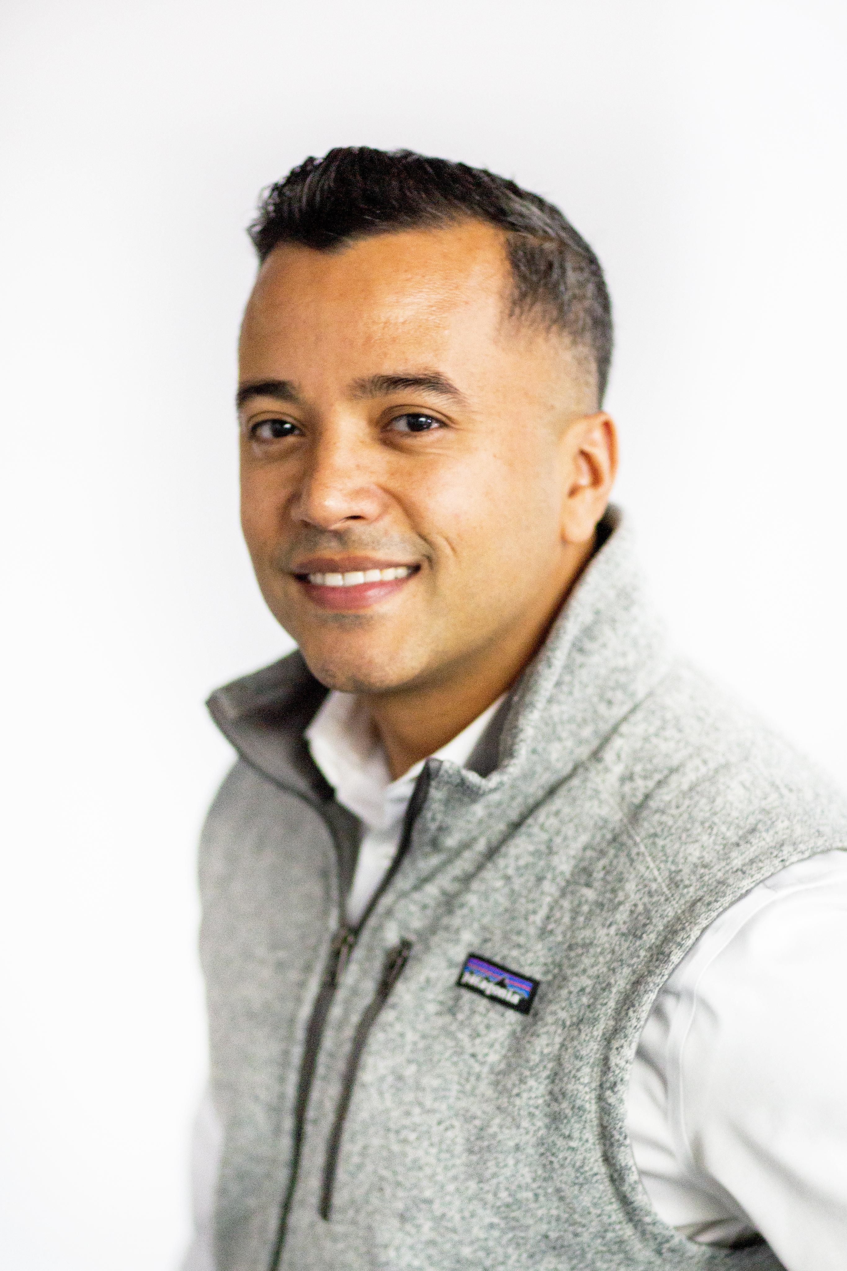 Angel Niever, Co-Founder of Vamos