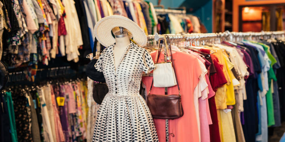 vintage shopping in chicago where to find school
