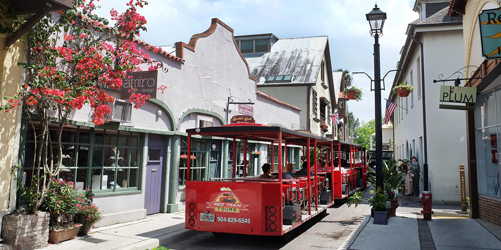 St. Augustine's Trolley Tour (Photo: Rafael Tongol)