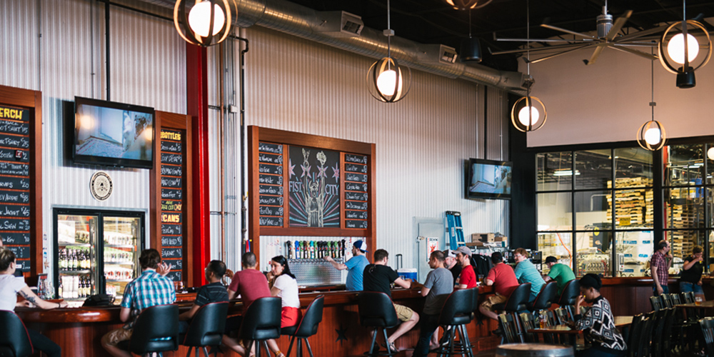 best-microbreweries-chicago-revolution-brewing