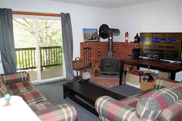 Living Room Slider 17 Hummingbird Lane, Lincoln, NH 03251 Alpine Lakes Real Estate