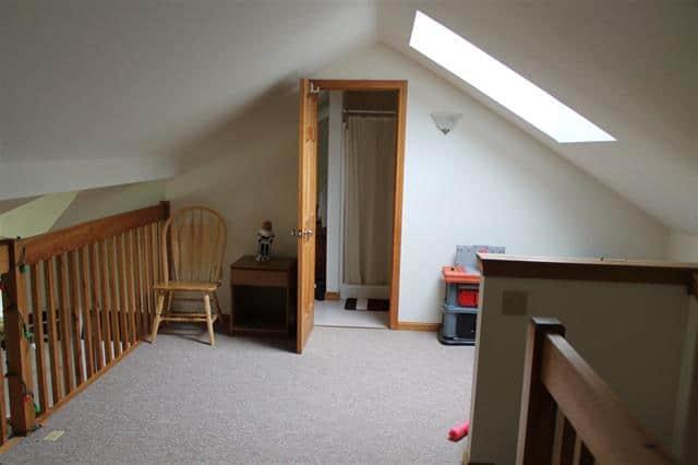 Upstairs 1640 Daniel Webster Highway#40, Woodstock, NH 03262 Alpine Lakes Real Estate