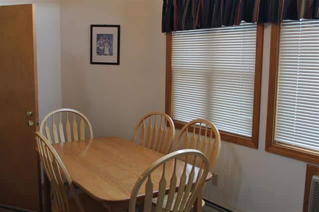 Dining 1640 Daniel Webster Highway#40, Woodstock, NH 03262 Alpine Lakes Real Estate