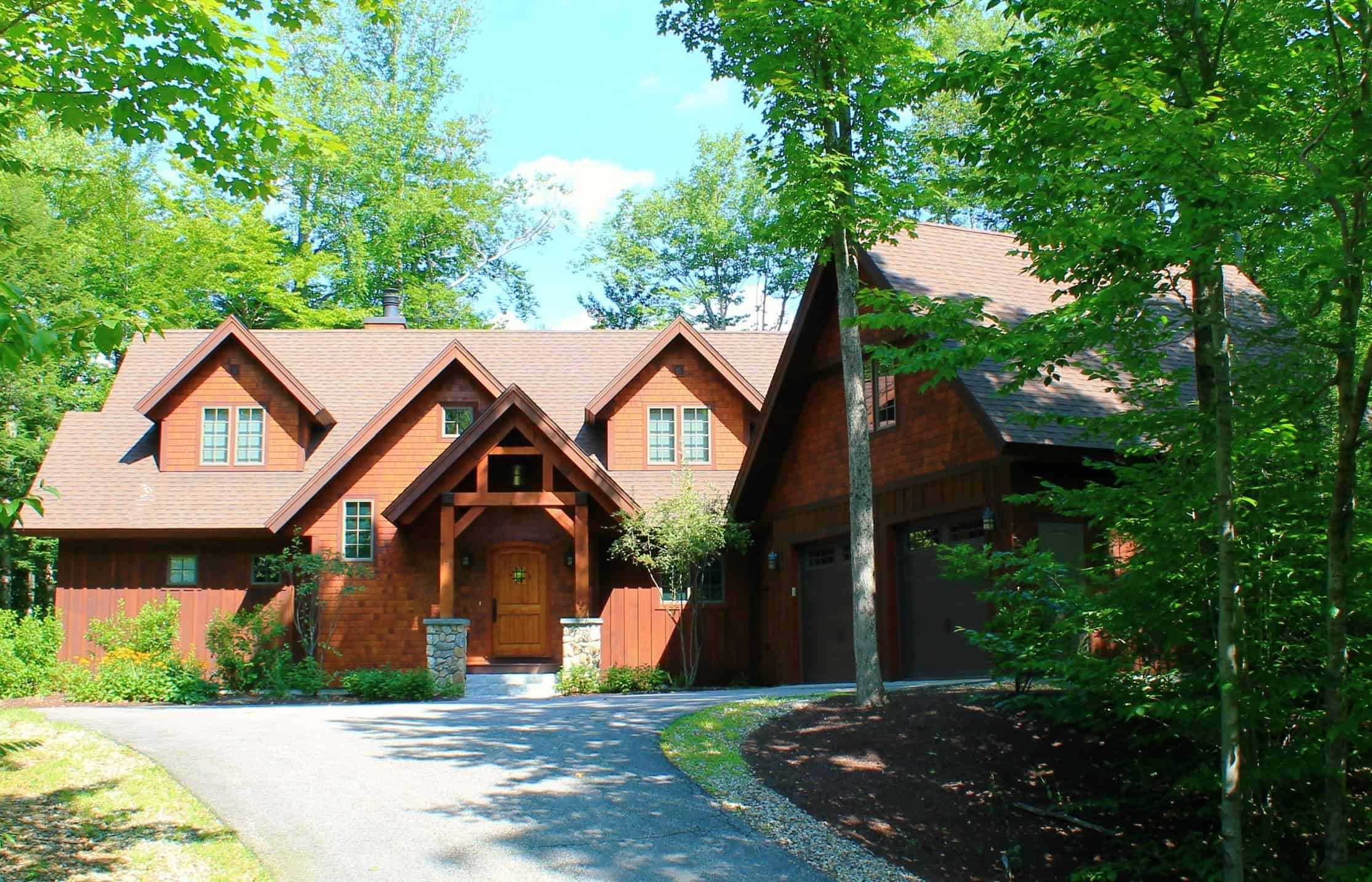 Exterior Front 172 Sout Peak Road, Lincoln, NH Alpine Lakes Real Estate