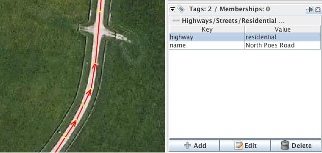camino con la carretera = residencial y una etiqueta con su nombre, también muestran la manera cómo los nodos en caminos  no tienen una etiqueta
