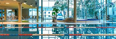 7c3b13ec230 Spaa-hotelli enam kui 1000 m2 suuruses vee- ja saunakeskuses on külastajate  päralt koguni kuus tavapärasest soojema veega päikeseküllast basseini, ...