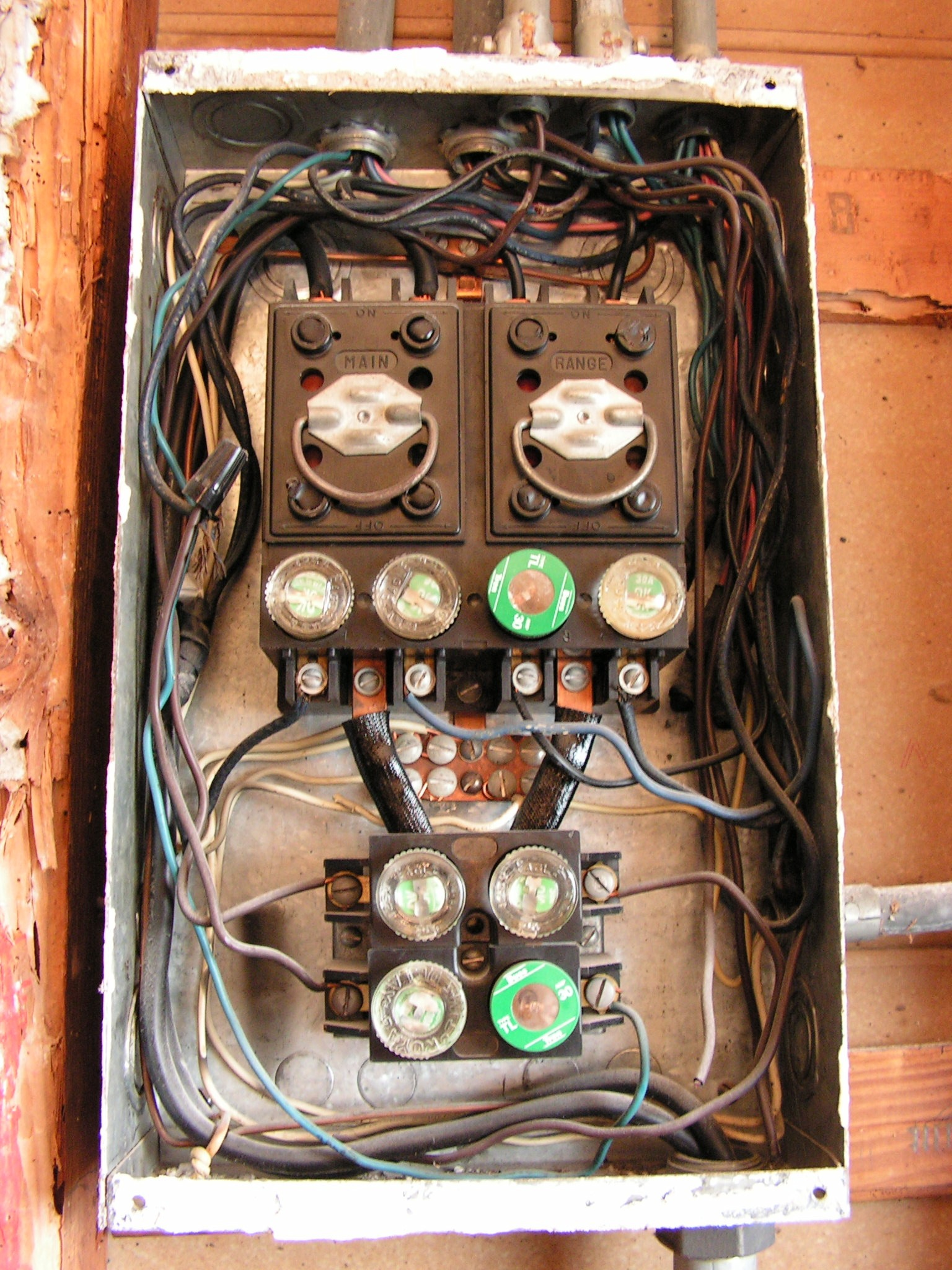 Old Round Fuses Fuse Box Great Design Of Wiring Diagram Buss 1960s I Need Advice From An Electrician Who Has Tons Experience Home