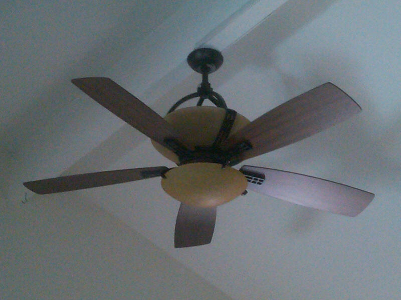 We Have Two Hampton Bay Fan/light Units And We Cannot Fiqure
