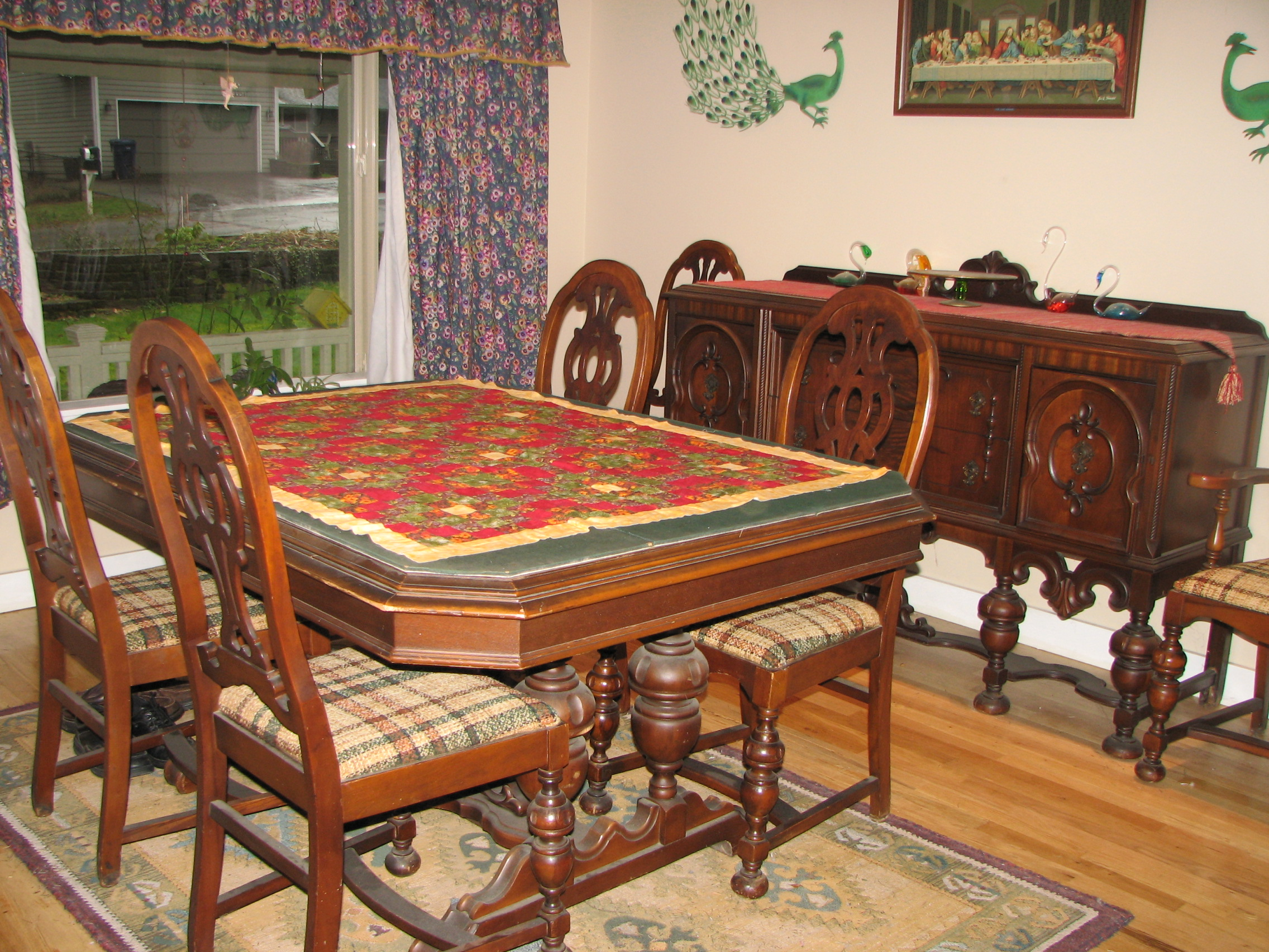 antique dinning room set has 6 chairs buffet and a table. Black Bedroom Furniture Sets. Home Design Ideas