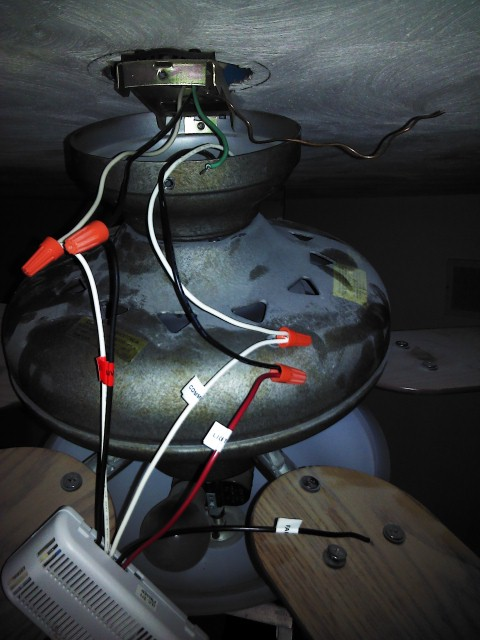 I Am Wiring A Hunter Remote 27185 To Our Hunter Ceiling Light