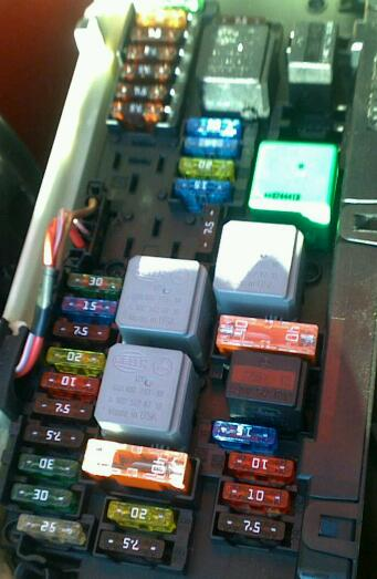 Dlqft Im Ih Xeya Zh G moreover E Fuse Box Diagram furthermore Mustang Fuse Dash Diagram further Pontiac Grand Am Fuse Box Instrument Panel Drivers Side further R. on mercedes c300 fuse box diagram