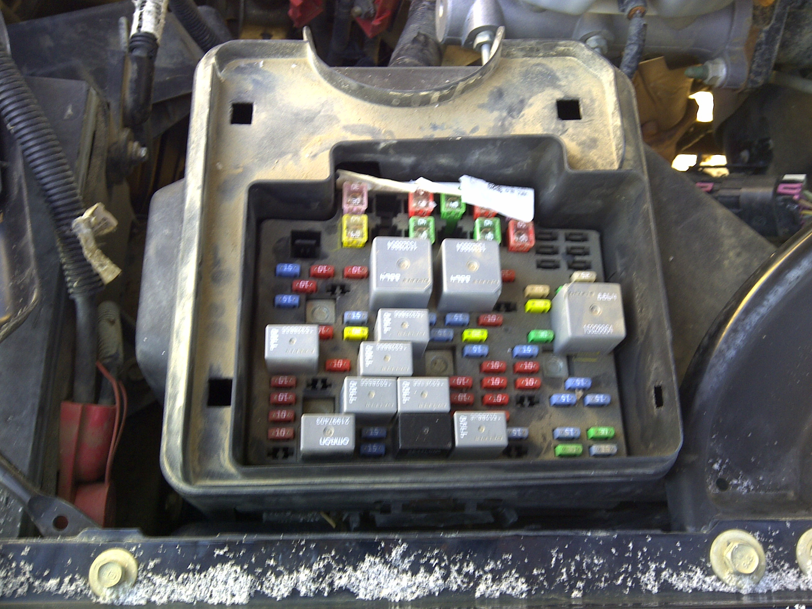 2010 chevy truck fuse box diagram gmc 2500 series i have a 2007 gmc sierra classic 2500 crew #4