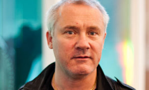 Damien Hirst to design the statue for 2013 BRIT Awards