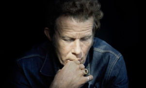 Watch Tom Waits' first live show in five years at Neil Young's Bridge School Benefit concert