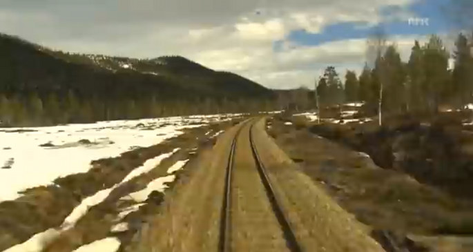 Someone set a Norwegian train journey to the entire of DeepChord presents Echospace's Luimin, and the results are amazing