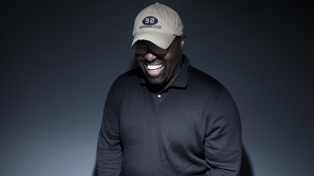 There's a campaign to get Frankie Knuckles to #1 as tributes continue to roll in