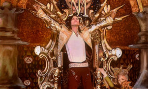 Watch the hologram Michael Jackson perform at the Billboard Awards
