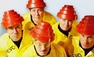 """Devo's Jerry Casale says his Twin Towers wedding cake was a """"set-up"""""""