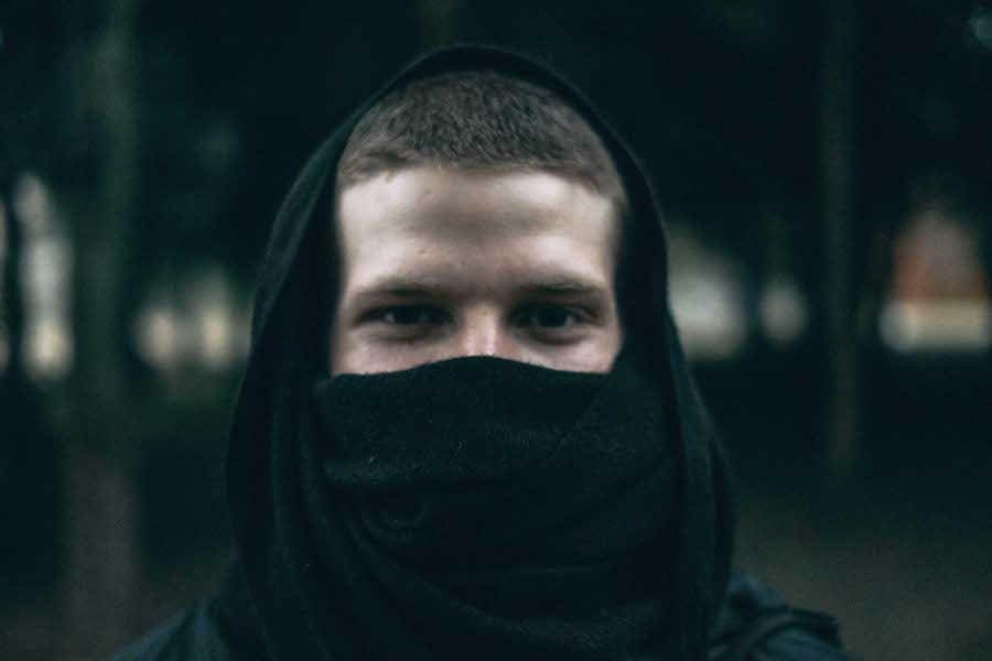 Explore Erik Luebs' inward looking techno on Absolute Presence