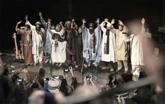 Desert blues band Tinariwen to release Live In Paris, Oukis N'Asuf –stream a track