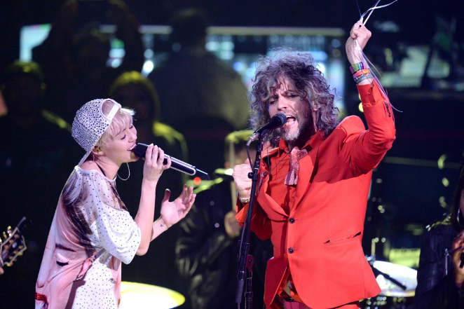 Miley Cyrus & The Flaming Lips Are Playing A Concert In