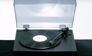 Sony unveils PS-HX500 hi-res turntable