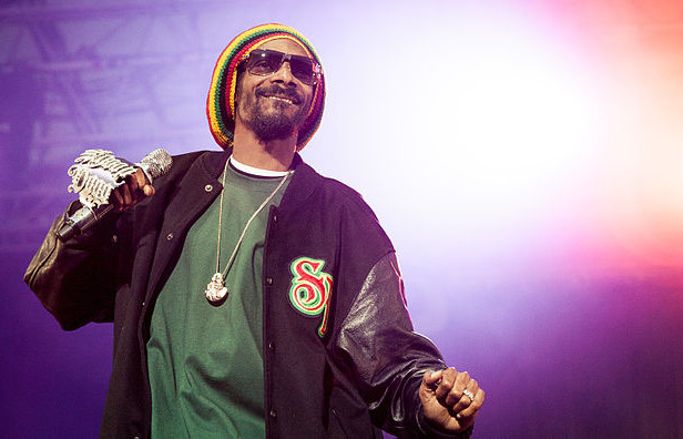 Snoop Dogg wants to buy the legendary Roscoe's Chicken & Waffles