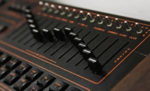 This free sample pack recreates Prince's trademark drum sound