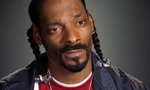 "Snoop Dogg calls Arnold Schwarzenegger a ""racist piece of shit"""