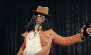 "Jamie Foxx parodies 'Fuck Up Some Commas' as Future's ""dad"" Past"
