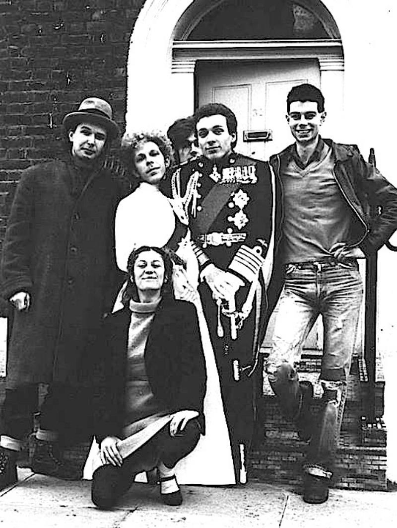 Family-Fodder-1981